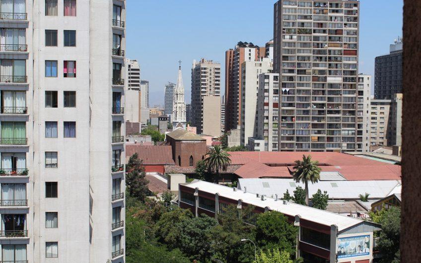 Venta de Departamento/ Metro U. Católica. 2d – 2b- 1est.